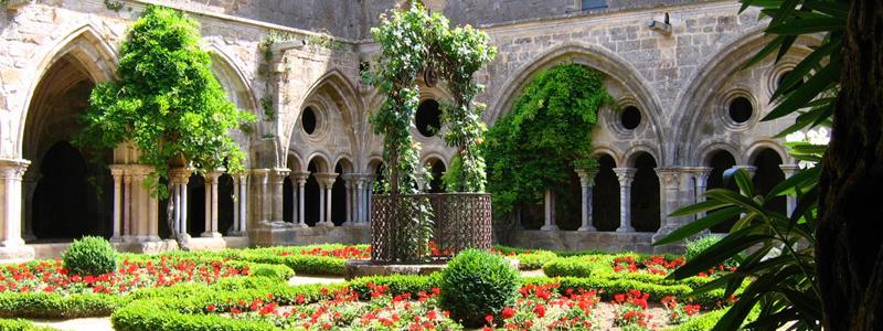 Visitez l'Abbaye Sainte Marie de Fontfroide à Narbonne