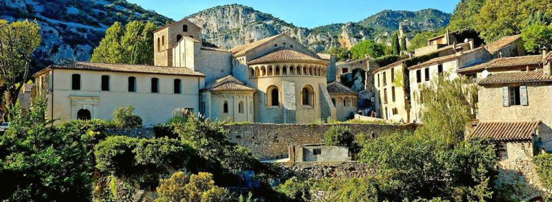 Visitez l'un de plus beaux villages de France, Saint Guilhem-le-Désert